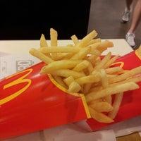 Снимок сделан в McDonald's пользователем Zbigniew H. 5/2/2013