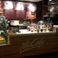 Снимок сделан в McDonald's пользователем Zbigniew H. 3/15/2013