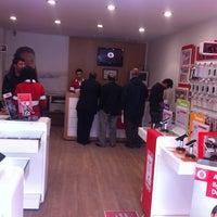 Photo taken at Vodafone Erzincan Telekomünikasyon by Selahattin ç. on 2/21/2013