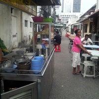 Photo taken at Jalan Harimau Back Lane behind Standard Chartered by leong bunny on 5/5/2014