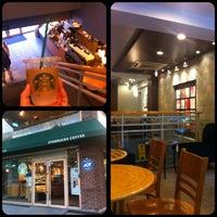 Photo taken at Starbucks by 전범(John) 조. on 7/6/2013