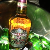 6/15/2013 tarihinde ®™Exclusiveness .ziyaretçi tarafından Shot Bistro Lounge & Bar'de çekilen fotoğraf