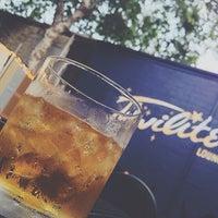 7/26/2013 tarihinde Enrico D.ziyaretçi tarafından Twilite Lounge'de çekilen fotoğraf