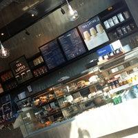 4/10/2018 tarihinde Hajar F.ziyaretçi tarafından Starbucks'de çekilen fotoğraf