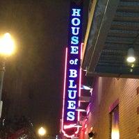 Foto scattata a House of Blues da Nadina il 12/27/2012