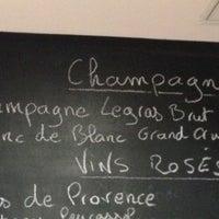 Photo prise au L'Ébéniste du Vin par Julien B. le6/4/2013