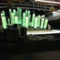 2/22/2013 tarihinde Yalçın A.ziyaretçi tarafından Lotus Bar'de çekilen fotoğraf