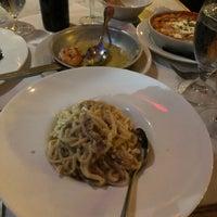 Foto scattata a Carmelina's da Spencer il 1/14/2018