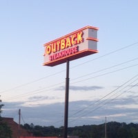 Photo taken at Outback Steakhouse by Allen R. on 5/5/2013