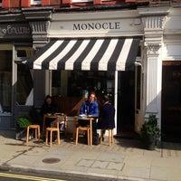 9/23/2014 tarihinde Daniela B.ziyaretçi tarafından The Monocle Café'de çekilen fotoğraf