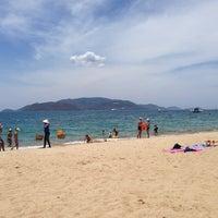 Снимок сделан в Bãi Biển Nha Trang (Nha Trang Beach) пользователем Ulianka K. 7/4/2014