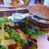 Foto tirada no(a) General Prime Burger por R em 12/5/2012