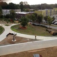 9/29/2012 tarihinde Kurt R.ziyaretçi tarafından Atlanta BeltLine Corridor under Freedom Pkwy'de çekilen fotoğraf