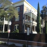 Снимок сделан в Calhoun Mansion пользователем Darwin D. 1/17/2013