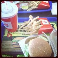 3/20/2013 tarihinde Gamze Ö.ziyaretçi tarafından Burger King'de çekilen fotoğraf
