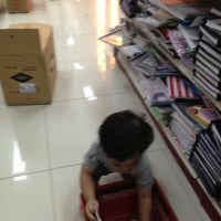 Photo taken at National Book Store by LY1721 M. on 5/30/2013