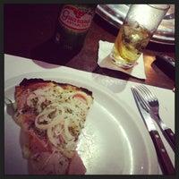 Foto tirada no(a) A Firma Pizzas por Alexandre C. em 3/23/2013