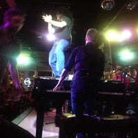 Photo taken at Ernie Biggs Dueling Piano Bar by Josh C. on 5/18/2013