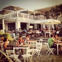 Foto scattata a Maré | cucina caffè spiaggia bottega da Luca Z. il 7/8/2013