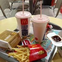 Photo taken at McDonald's by Paulo A. on 7/28/2013