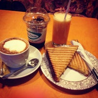 Foto diambil di Coffee Bean oleh Katerina K. pada 7/21/2013