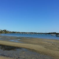 Photo taken at Hen and Chicken Bay by Tury B. on 9/27/2014