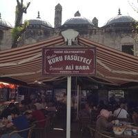 4/29/2013 tarihinde Güneş N.ziyaretçi tarafından Tarihi Süleymaniyeli Meşhur Kuru Fasülyeci Erzincanlı Ali Baba'de çekilen fotoğraf