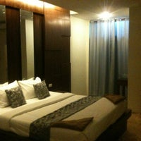 Photo taken at Phuphet Resort Khaoyai-Pakchong Hotel by Drunky B. on 12/22/2013