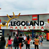 Photo taken at LEGOLAND Malaysia by Rjay d. on 4/8/2013