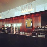 Photo taken at Qantas Club (T3) by miss j l. on 2/12/2013