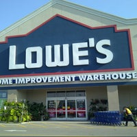 Photo taken at Lowe's Home Improvement by Linus J. on 8/16/2013