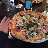 Das Foto wurde bei Pizzeria Scugnizzo von Manfred B. am 6/27/2016 aufgenommen