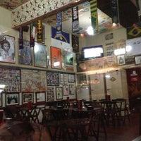 Das Foto wurde bei Empanadas Bar von Caio M. am 5/14/2013 aufgenommen