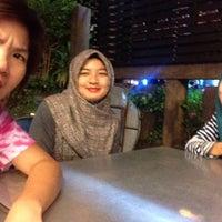 Photo taken at Tomyam Pertama (Kg. Pertama) by Selo R. on 1/18/2015