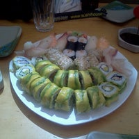 Photo taken at Sushi House by Mauricio N. on 3/4/2013