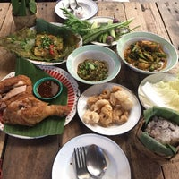 Photo taken at ม่านเมืองอาหารเหนือ by Green k. on 1/7/2017