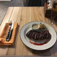 8/20/2017 tarihinde Arthur C.ziyaretçi tarafından Steak It Easy'de çekilen fotoğraf