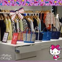 Photo taken at SHINSEGAE Department Store by simply LANG™ on 2/26/2016