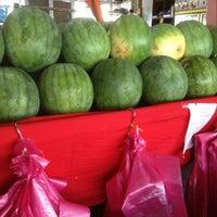 Photo taken at Fruit Centre Pelita Commercial by Sandra C. on 2/12/2013