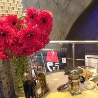 3/19/2013 tarihinde Katika S.ziyaretçi tarafından Fes Cafe'de çekilen fotoğraf