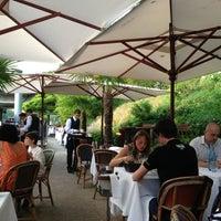 Das Foto wurde bei River Café von Christophe R. am 7/6/2013 aufgenommen