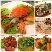 Photo taken at PUTIEN Restaurant 莆田菜馆 by Heni D. on 10/10/2013