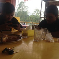 Photo taken at Restoran Mirasaa by Anor Aziz on 9/13/2015
