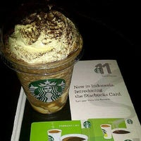 Photo taken at Starbucks by Rosauly L. on 11/17/2013