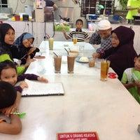Photo taken at Family Kopitiam by Khairul Anuar Z. on 2/27/2014