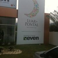 Photo taken at Stand Luar do Pontal by Herminio C. on 5/24/2013