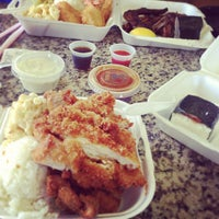 Photo taken at L&L Hawaiian Barbecue by Julian S. on 5/1/2013
