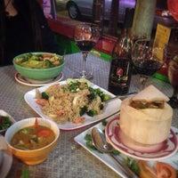 Foto tomada en Thai Food Cafe por Julian S. el 2/18/2015