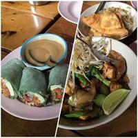 Photo taken at Mee-Sen Thai Eatery by Julian S. on 7/10/2016