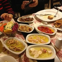 3/17/2013 tarihinde Samet P.ziyaretçi tarafından Pembe Köşk Restaurant'de çekilen fotoğraf